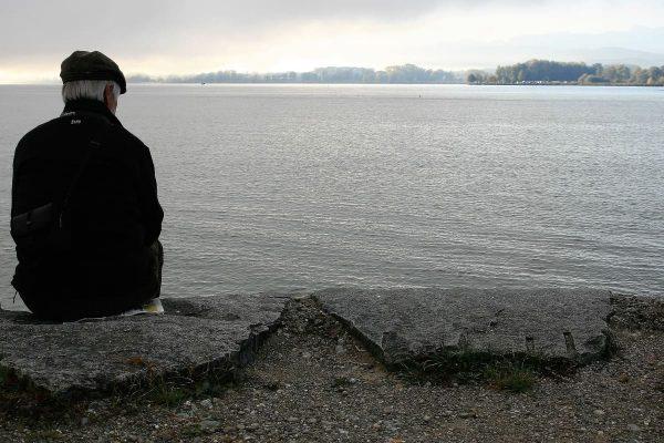 solitude fin de vie domicile
